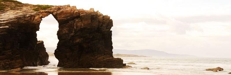Playa de Las Catedrales. Ribadeo (Lugo), declarada Monumento Natural por la Xunta.