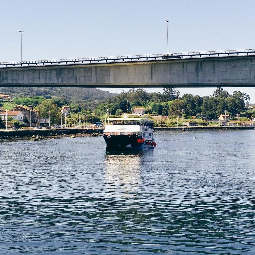 viaje en barco a bueu y portonovo