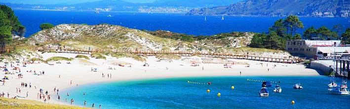 servicios en la playa de Rodas, islas Cies, Galicia